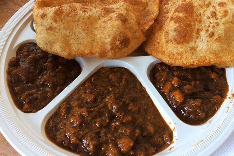 Dish,Food,Cuisine,Ingredient,Naan,Chole bhature,Produce,Staple food,Indian cuisine,Curry
