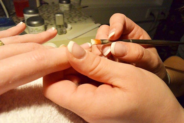 Nail,Finger,Hand,Nail care,Manicure,Cosmetics,Service,Nail polish,Thumb,Artificial nails