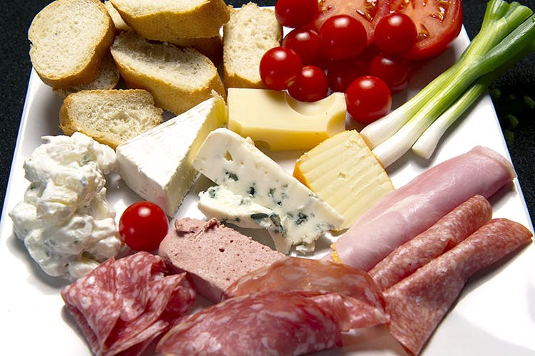 Dish,Food,Cuisine,Cold cut,Ingredient,Charcuterie,Platter,Food group,Cheese,Prosciutto