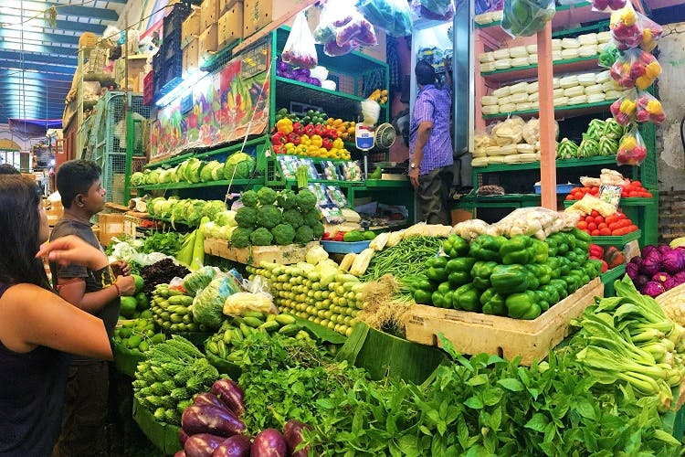 Natural foods,Market,Whole food,Marketplace,Local food,Selling,Bazaar,Public space,Greengrocer,Vegetable