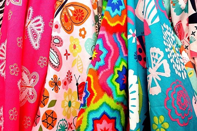 Clothing,Textile,Pattern,Dress,Pattern,Magenta,Visual arts