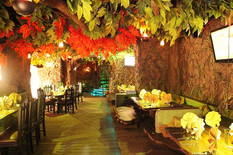 Greek Town To Old Britain: Themed Restaurants In Pune You Must Visit