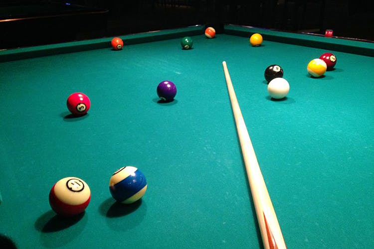 Billiard table,Pool,Indoor games and sports,Billiard ball,Billiards,Games,Ball,Billiard room,Straight pool,Snooker