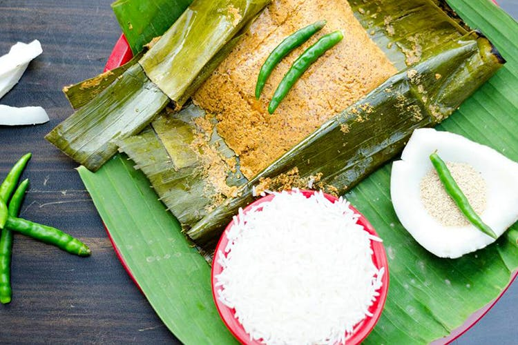 Dish,Food,Banana leaf rice,Cuisine,Rice,Ingredient,Leaf,Suman,Banana leaf,Nasi liwet