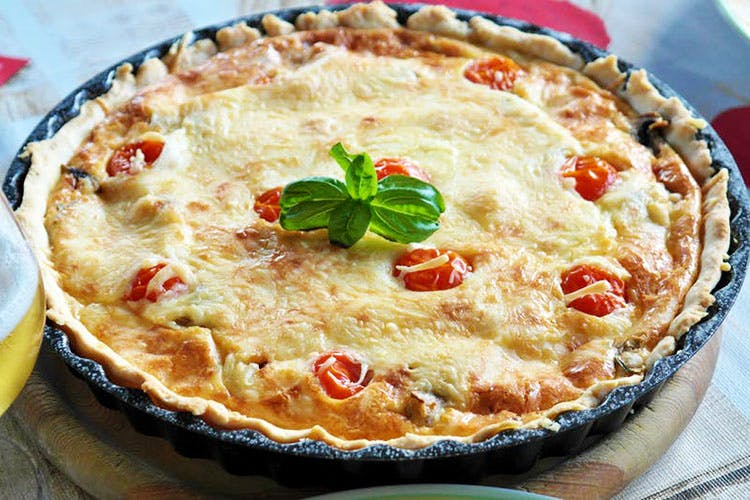 Dish,Food,Cuisine,Ingredient,Baked goods,Quiche,Produce,Dessert,Recipe,Zwiebelkuchen