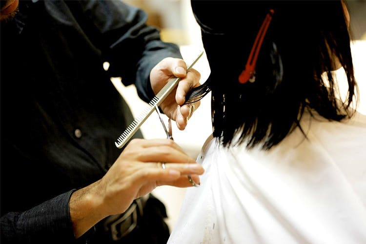 Get Glam Haircuts At Affordable Rates At This Salon In Gold Souk Mall