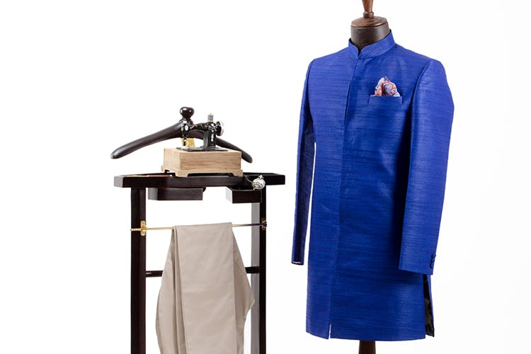 Clothing,Outerwear,Uniform,Costume,Electric blue,Sleeve