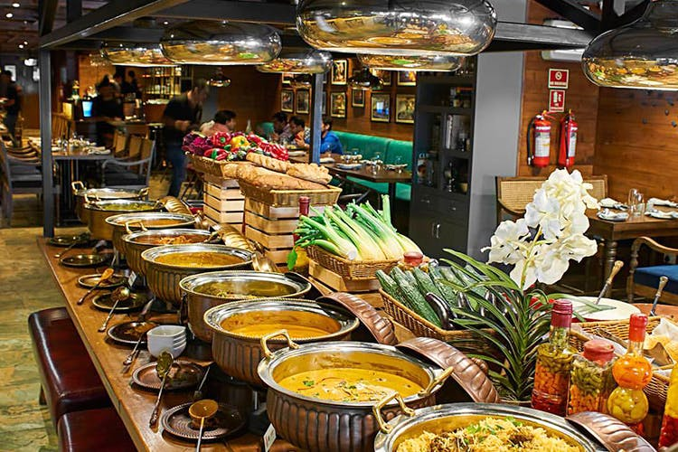 Miraculous Check Out Best Buffet In Delhi Ncr Lbb Home Interior And Landscaping Oversignezvosmurscom