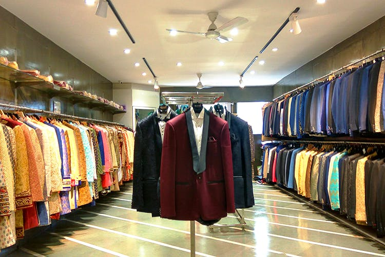 Tux Or A Bandhgala? Rent The Perfect Wedding Outfit From This Camp Store