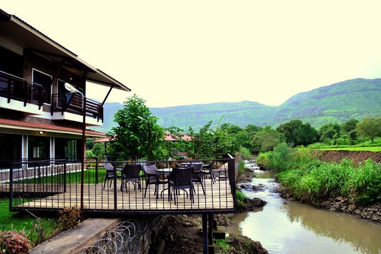 Nature,Water,Water resources,Hill station,Natural landscape,Property,River,House,Mountain,Rural area