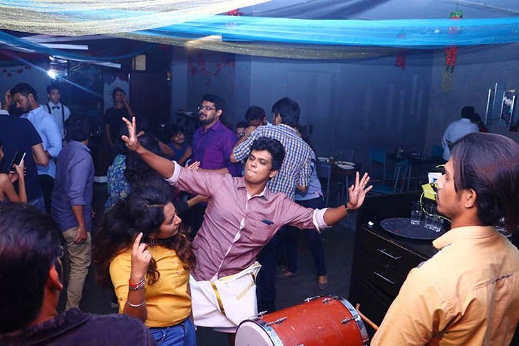 Event,Youth,Crowd,Fun,Ceremony,Party