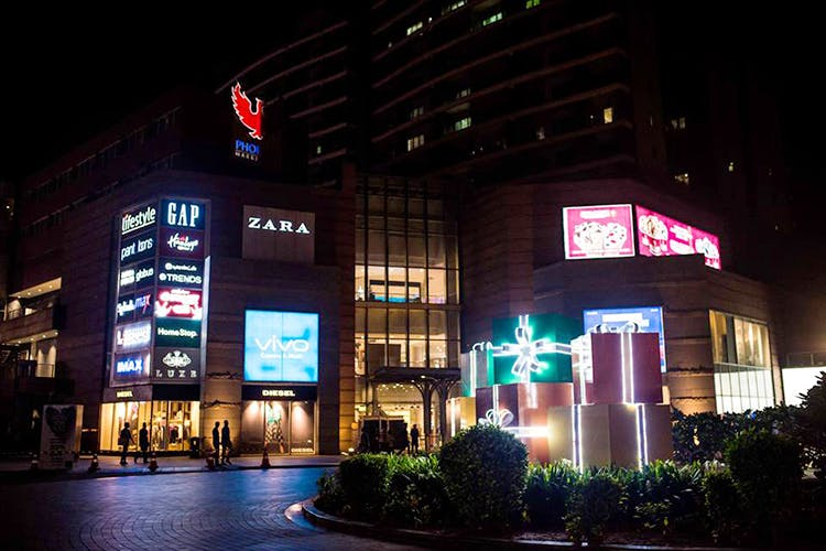 Night,Metropolitan area,Light,Building,Architecture,Lighting,Urban area,Electronic signage,Neon,Technology