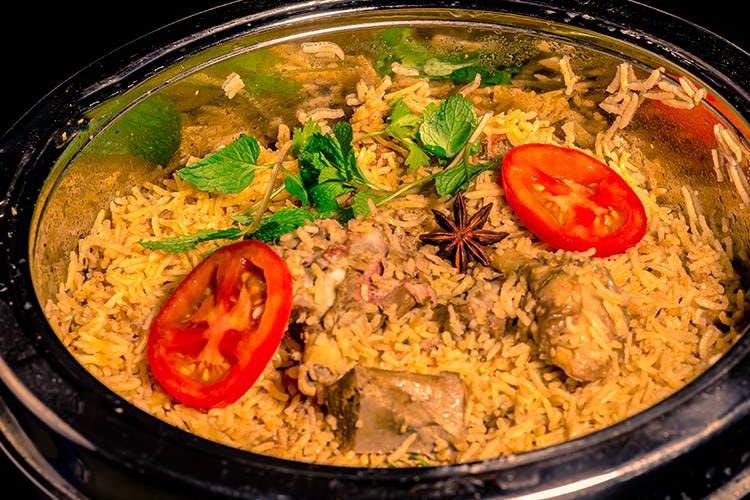 Dish,Food,Cuisine,Meat,Ingredient,Biryani,Produce,Claypot chicken rice,Recipe,Kabsa