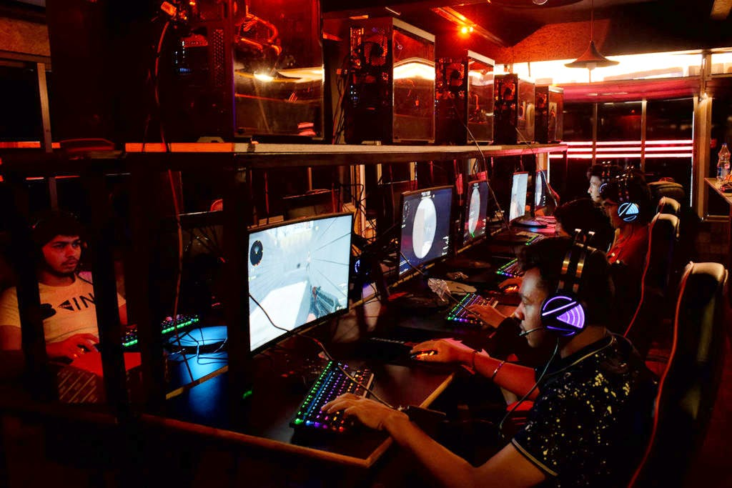 Video game parlour in bangalore dating. pros and cons of dating a white man.