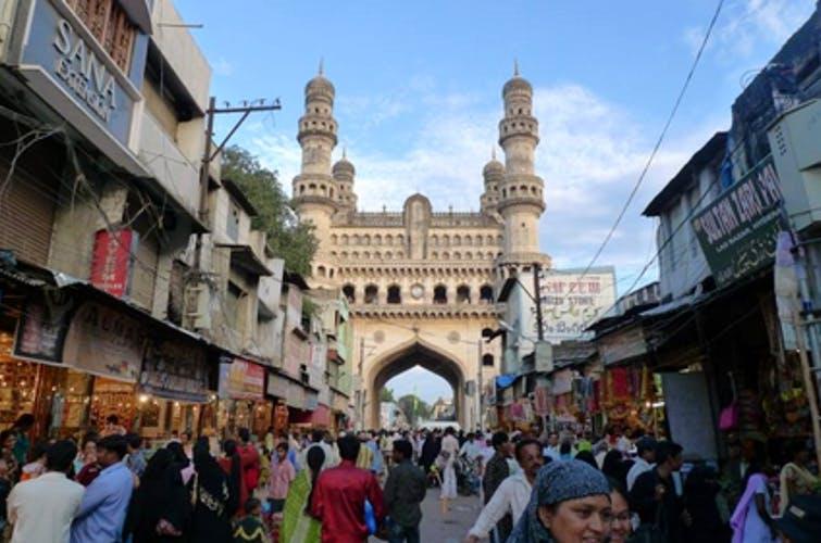 Bazaar,City,Town,Public space,Building,Human settlement,Market,Marketplace,Tourism,Pedestrian