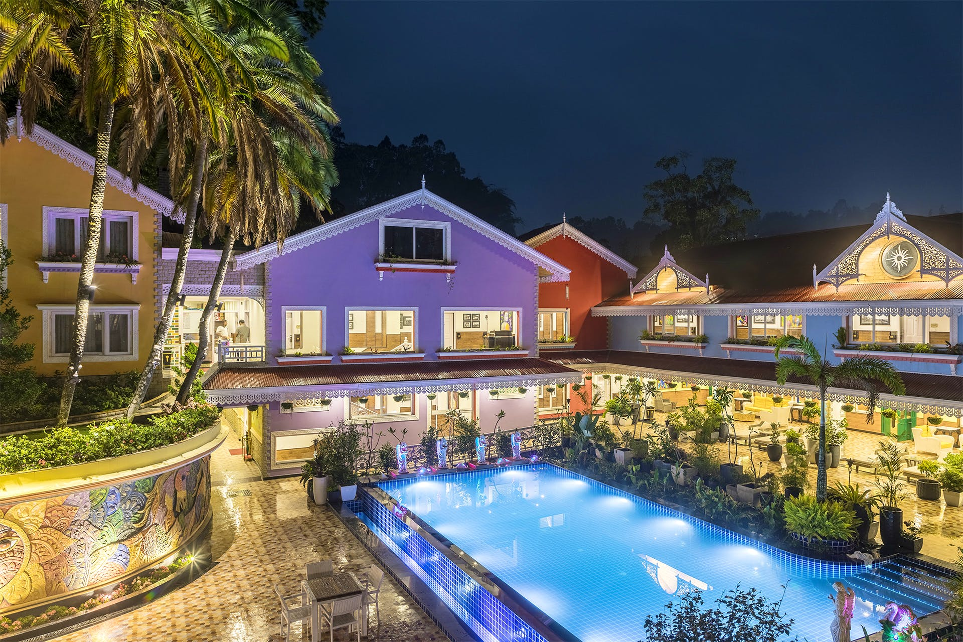 Swimming pool,Home,Property,Building,Resort,House,Real estate,Estate,Lighting,Town