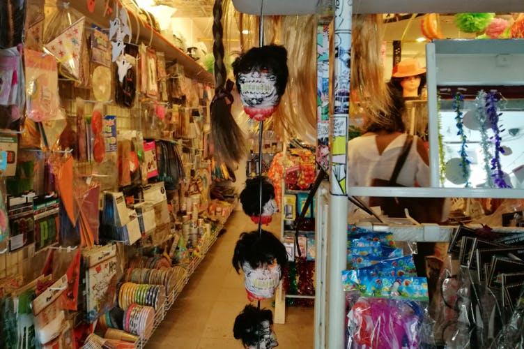 Collection,Marketplace,Bazaar,Building,Retail,Visual arts,Textile,Art,Market,Shopping