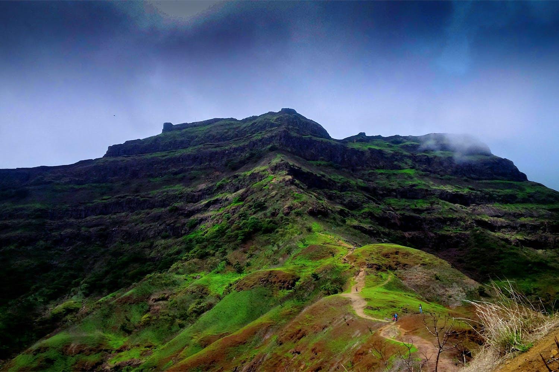 Mountainous landforms,Highland,Nature,Mountain,Sky,Hill,Natural landscape,Vegetation,Green,Ridge