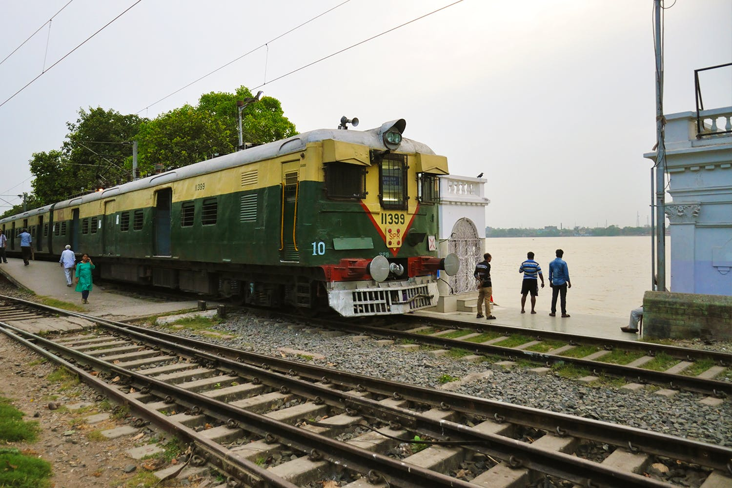Have You Been On Kolkata's Circular Railway Yet?