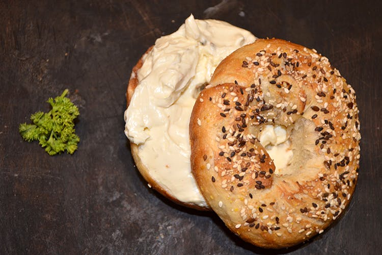 Food,Bagel,Dish,Ingredient,Cuisine,Kaiser roll,Bialy,Baked goods,Produce,Cheese spread