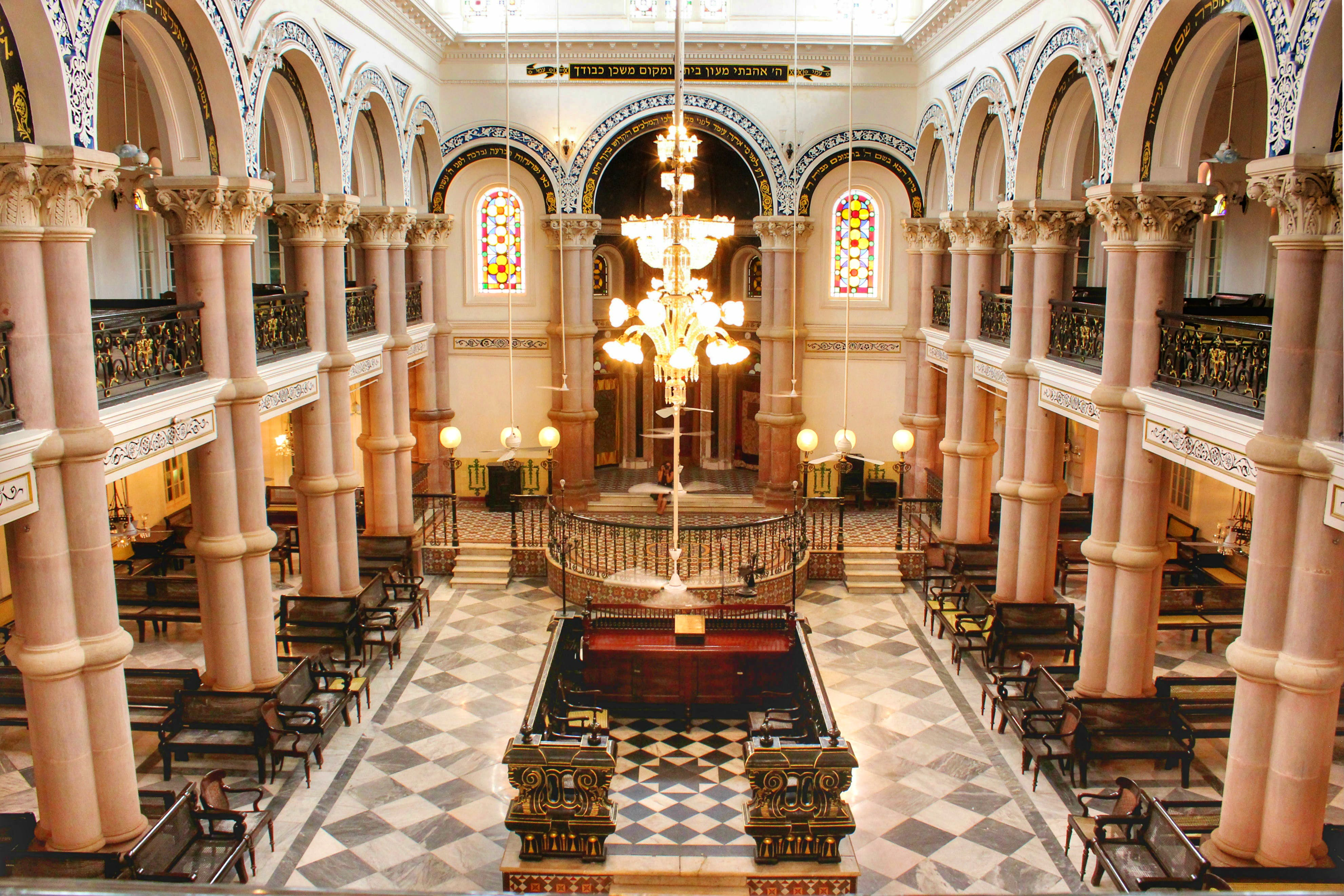 Building,Holy places,Interior design,Aisle,Architecture,Chapel,Place of worship,Synagogue,Church,Basilica