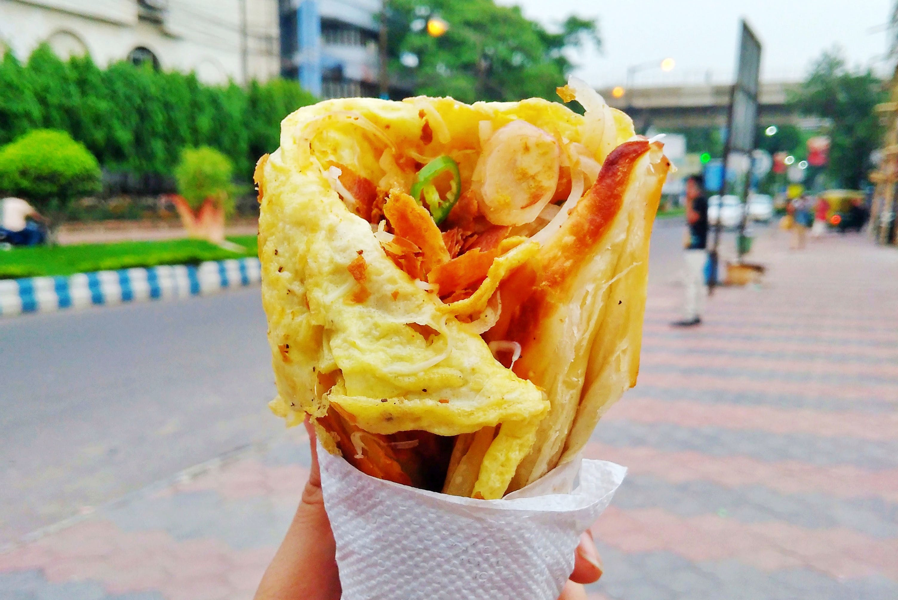 Paneer Cheese To Kali Mirch Kebabs: These 5 Places In Salt Lake Serve Delicious Rolls
