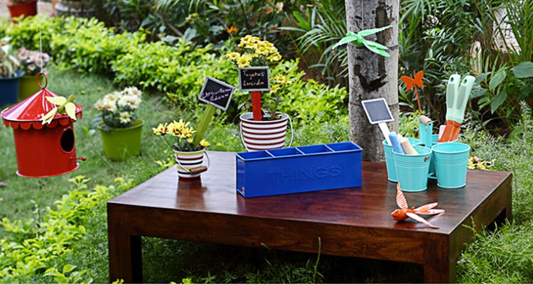 Attirant Pots, Plants And Décor: Garden Accessories Of All Kinds