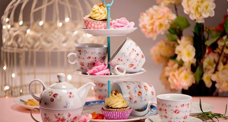 Teapot,Teacup,Cup,Tableware,Porcelain,Pink,Tea party,Serveware,Drinkware,Coffee cup