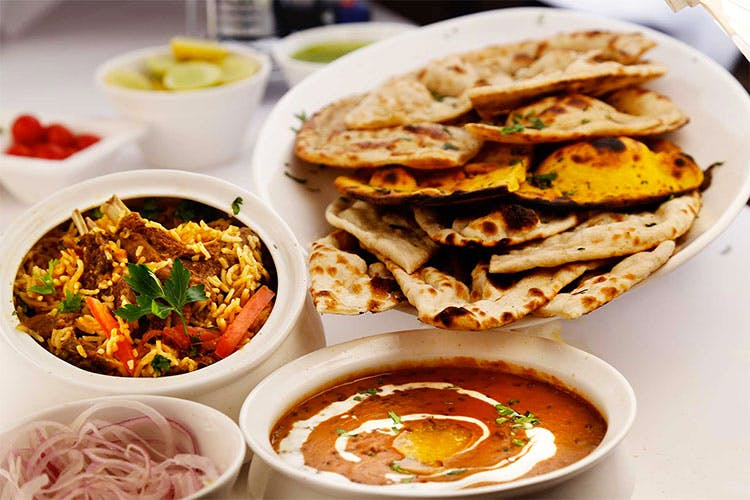 Dish,Food,Cuisine,Chilorio,Naan,Ingredient,Flatbread,Chapati,Produce,Staple food