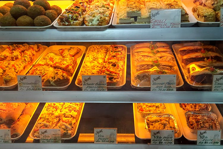 Bakery,Food,Cuisine,Dish,Take-out food,Delicacy,Fast food,Ingredient,Side dish,Junk food
