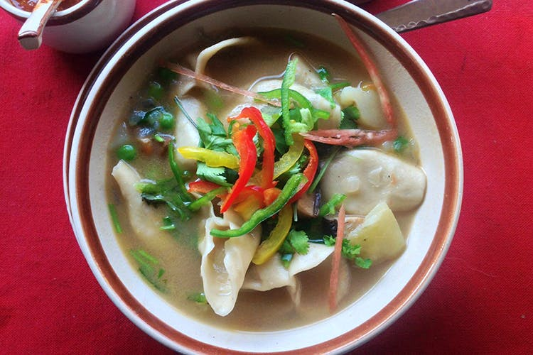 Dish,Food,Cuisine,Ingredient,Soup,Tom kha kai,Asian soups,Canh chua,Produce,Guk
