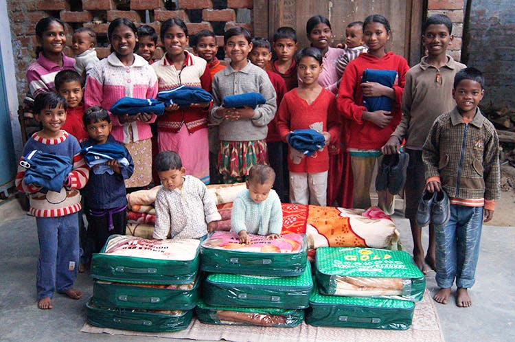Donate Warm Clothes \u0026 Blankets To These NGOs