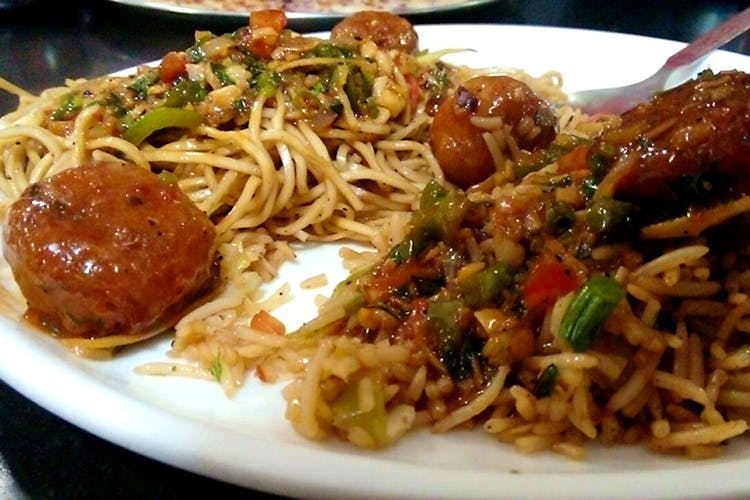 Dish,Food,Cuisine,Ingredient,Meat,Spaghetti,Chow mein,Mie goreng,Produce,Recipe