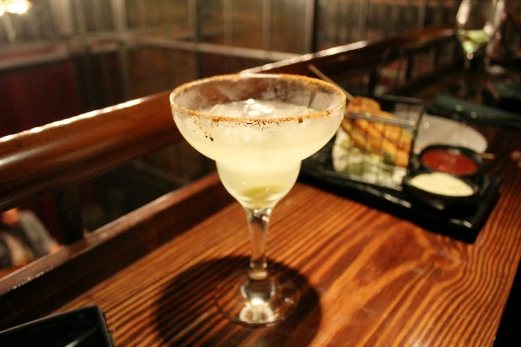 Drink,Alcoholic beverage,Classic cocktail,Cocktail,Distilled beverage,Margarita,Daiquiri,Corpse reviver,Gimlet,Sour