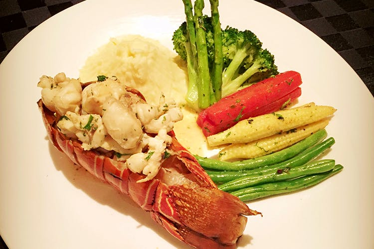 Dish,Food,Cuisine,Ingredient,Lobster,Produce,Meat,À la carte food,Spiny lobster,Lobster thermidor