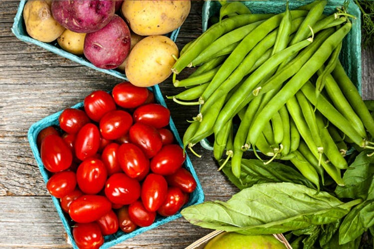 Natural foods,Local food,Vegetable,Food,Vegan nutrition,Plant,Bird's eye chili,Fruit,Vegetarian food,Whole food