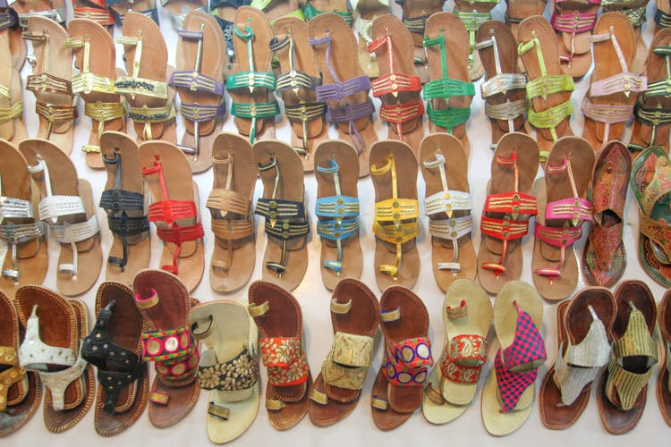 Here S Our Guide To Street Shopping In Janpath Market