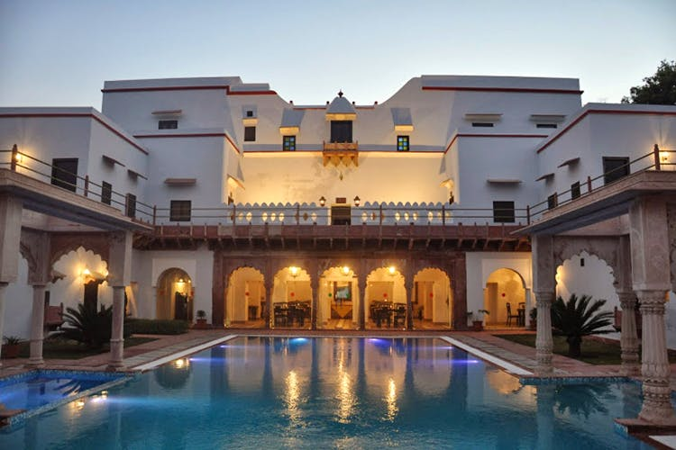 Building,Property,Swimming pool,Home,Estate,Real estate,House,Resort,Mansion,Thermae