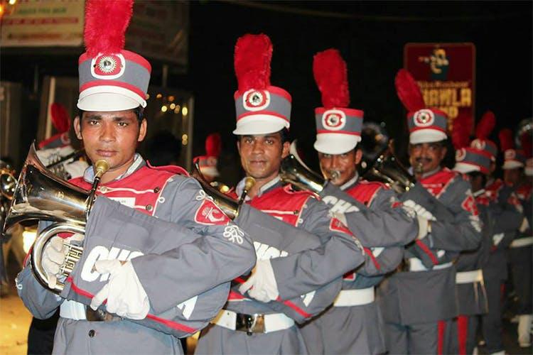 Uniform,Crew,Team,Gesture,Marching