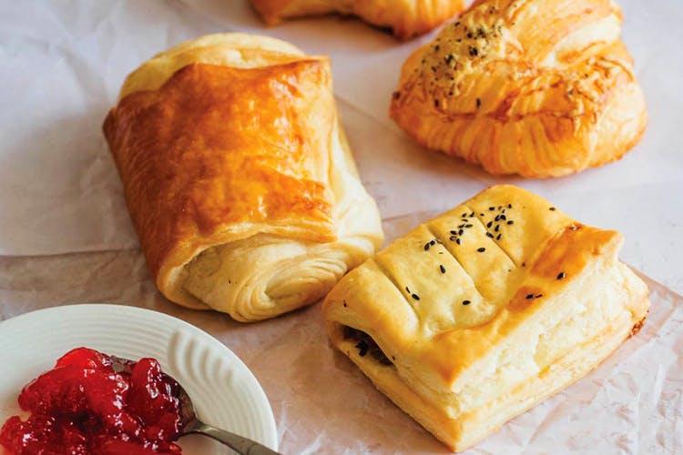 Dish,Food,Cuisine,Ingredient,Baked goods,Pain au chocolat,Puff pastry,Viennoiserie,Dessert,Produce