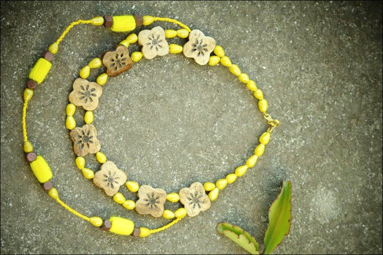 Yellow,Elapidae,Fashion accessory,Snake,Scaled reptile,Coral snake,Jewellery