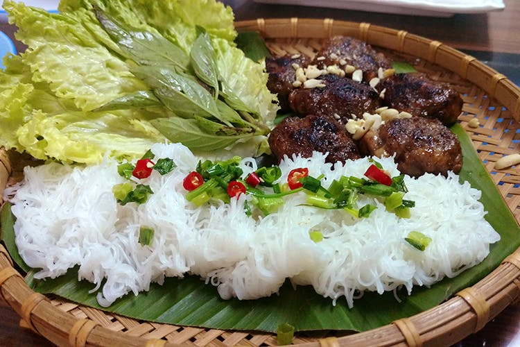 Dish,Food,Cuisine,Ingredient,Produce,White rice,Meat,Recipe,Bun cha,Cơm tấm