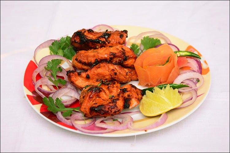 Dish,Food,Cuisine,Shashlik,Ingredient,Chicken meat,Meat,Tandoori chicken,Shish taouk,Fried food