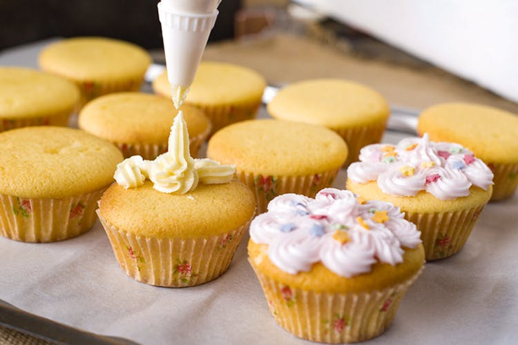 Food,Cupcake,Icing,Baking,Baking cup,Buttercream,Dessert,Cuisine,Dish,Ingredient