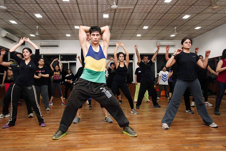 Sports,Dance,Entertainment,Zumba,Performing arts,Event,Exercise,Choreography,Aerobic exercise,Dancer