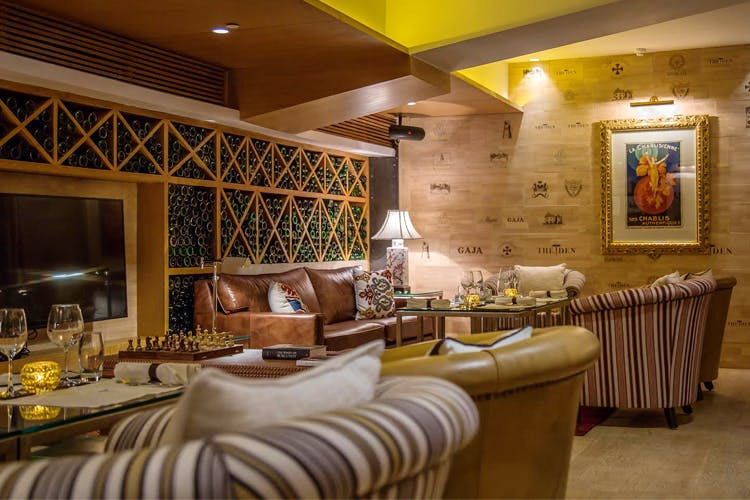 Room,Property,Interior design,Building,Restaurant,Furniture,Ceiling,Real estate,Table,Suite