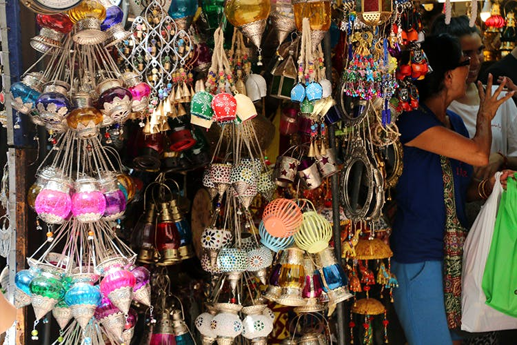 Best Street Shopping Markets In Delhi & What They're Famous For