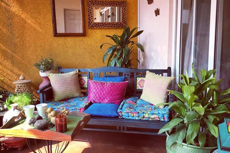 Room,Property,Majorelle blue,Houseplant,Interior design,Living room,House,Furniture,Building,Home