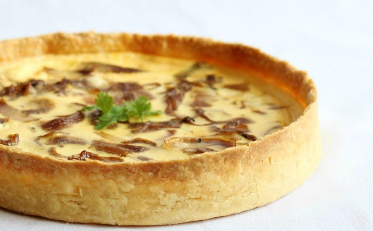 Dish,Food,Cuisine,Quiche,Ingredient,Baked goods,Dessert,Pastry,Flamiche,Recipe