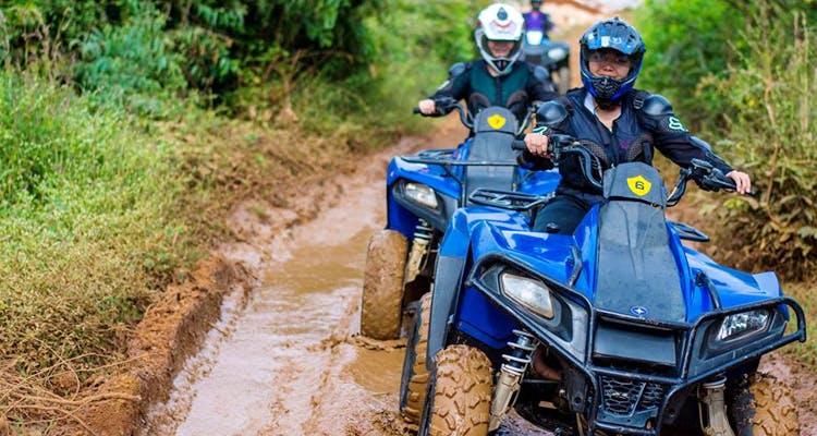 Land vehicle,Vehicle,All-terrain vehicle,Off-roading,Trail,Soil,Off-road vehicle,Adventure,Motorsport,Car